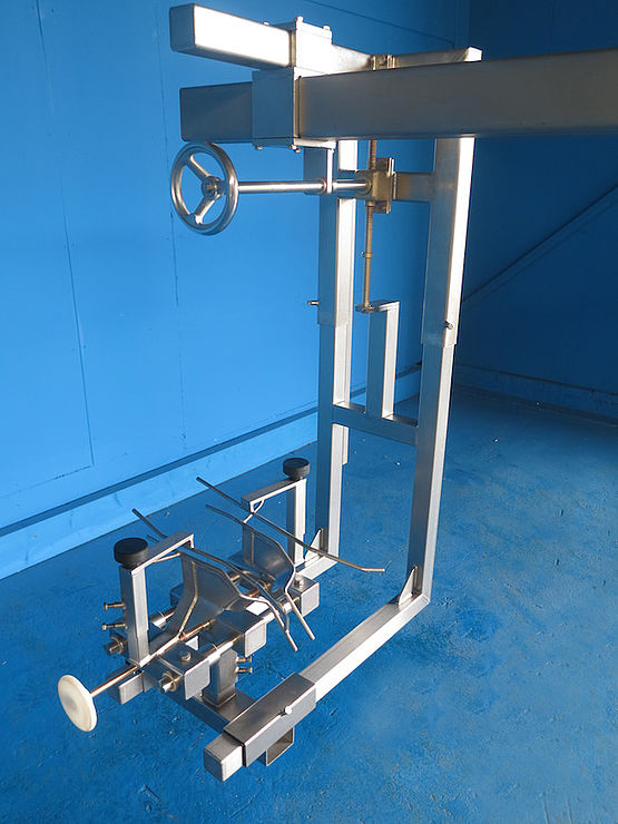 Poultry Processing Equipment Wing Stretcher